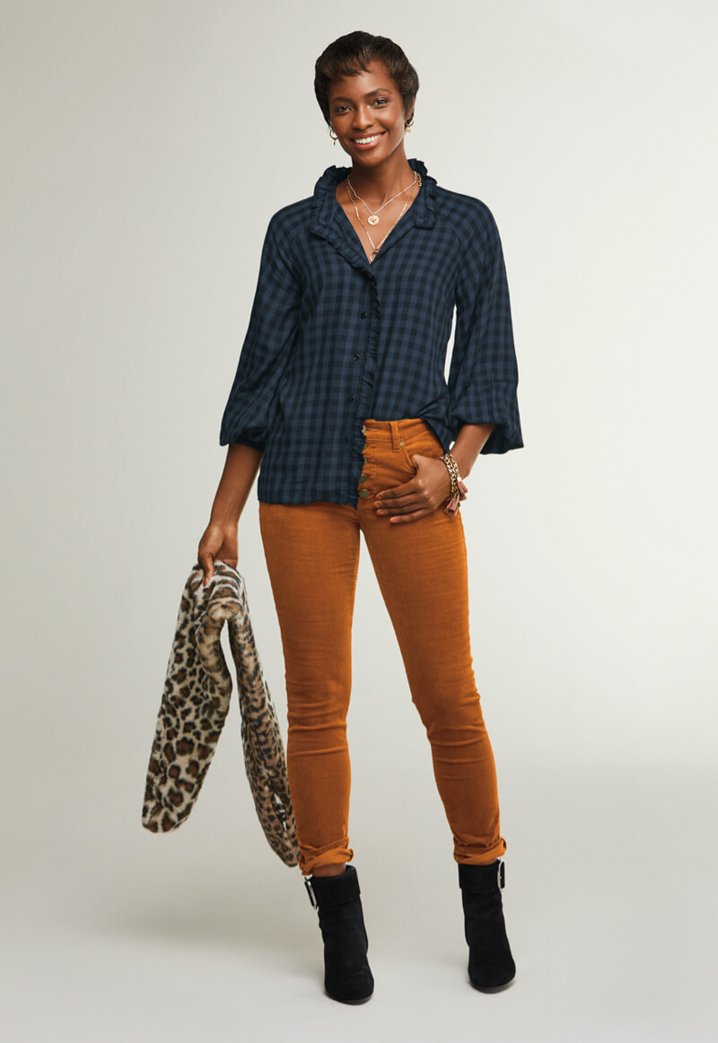 Casual Women's Outfit Ideas and Styles